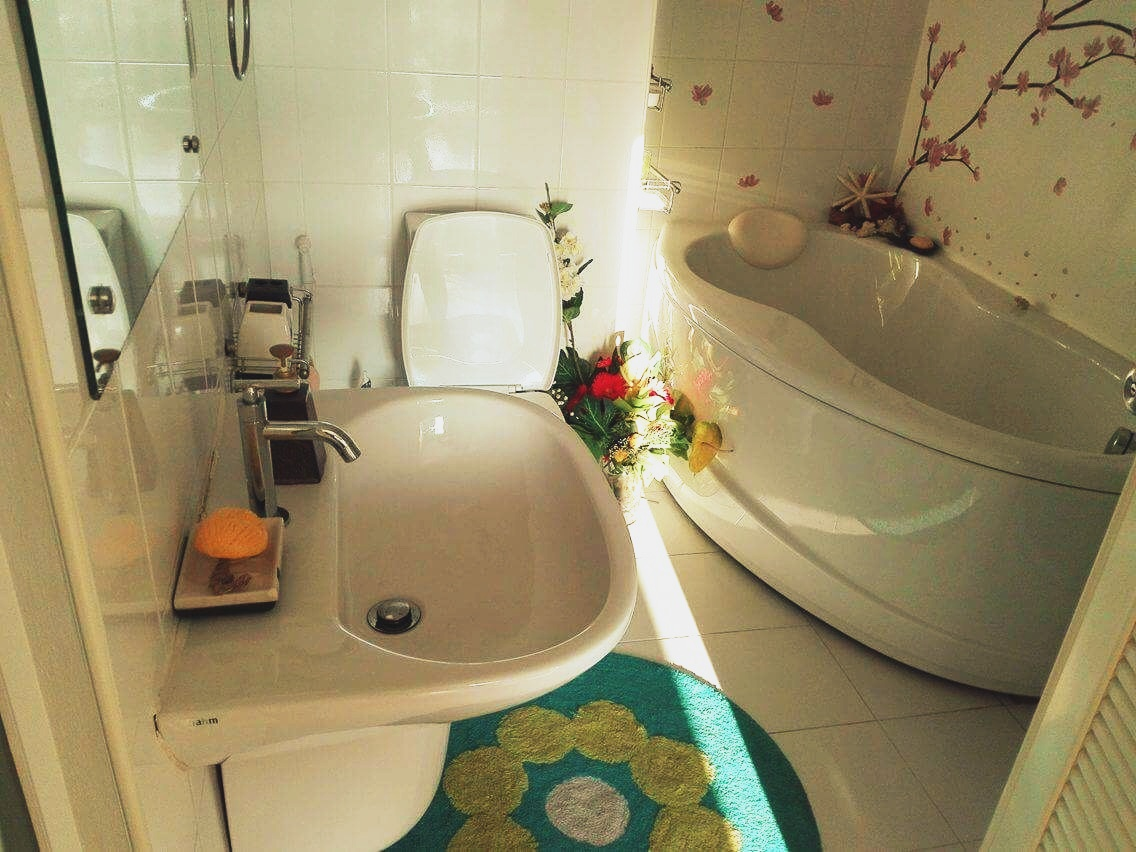 Individual Travel Phuket Houseroom: Shower