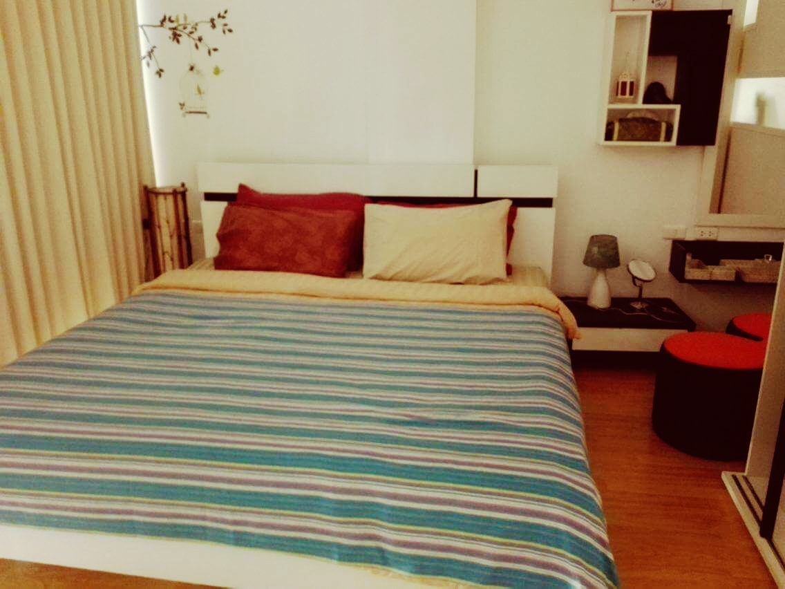 Individual Travel Phuket at a vacation Apartment: The bedroom